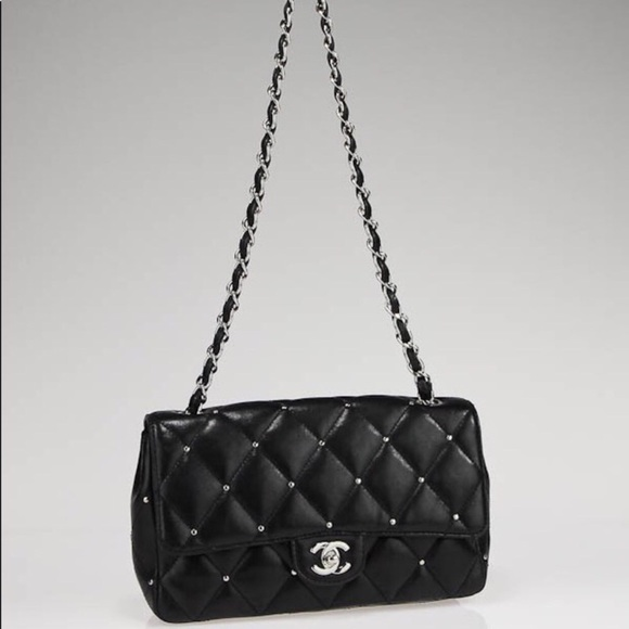 2876d4ac137 CHANEL Handbags - 💯 AUTHENTIC CHANEL black quilted studded bag